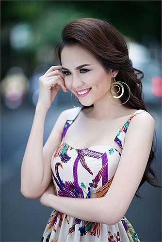 Năm 2011, Diễm Hương đã bí mật kết hôn với đại gia bất động sản tên C. Mãi đến đầu năm 2014, chuyện ly hôn giữa hai người mới được hé lộ.