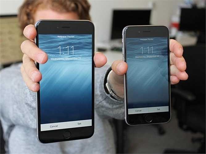 Thế hệ mới có thể có hai kích cỡ, giống như iPhone 6 và iPhone 6 Plus: Nhà phân tích Kuo cũng tin rằng Apple sẽ cung cấp iPhone thế hệ tiếp với cả hai phiên bản 4.7 inch và 5.5 inch.