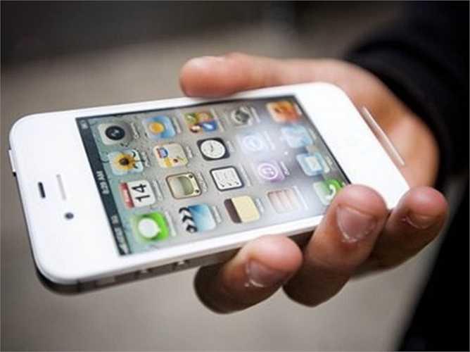 Có thể sẽ có phiên bản iPhone 4 inch mới: Trang Digitimes của Đài Loan báo cáo rằng Apple đang có kế hoạch phát hành 3 phiên bản iPhone mới gồm: mô hình 4.7 inch, một mô hình 5.5 inch và 4 inch. Thế nhưng, họ cũng chưa xác định phiên bản 4 inch sẽ phù hợp với dòng sản phẩm iPhone nào của Apple và nó sẽ mang nhãn hiệu gì. Do đó, báo cáo này có thể là không có thật.