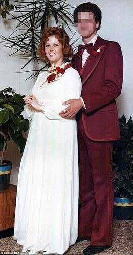 Gayla kết hôn năm 19 tuổi nhưng đến năm 1999 cô đã li dị vì người chồng không chấp nhận thân hình mập mạp của vợ mình.