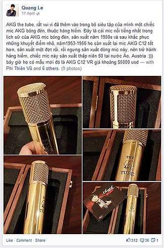 Quang Lê hãnh diện khoe chiếc mic mới sở hữu của hãng AKG the Tube đắt tiền