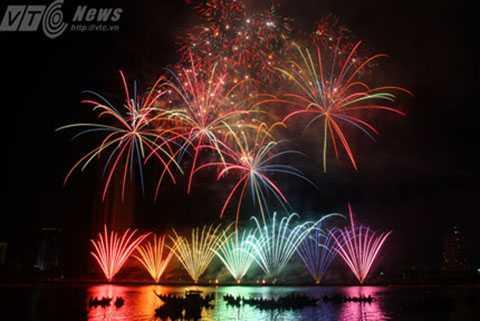DIFC 2015, Đà Nẵng, pháo hoa, quốc tế, Bản giao hưởng sắc màu,