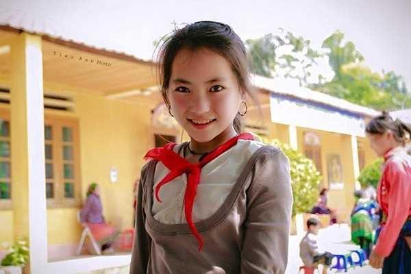 Những hình ảnh về cô bé này nhanh chóng được chia sẻ rộng rãi trên mạng xã hội.