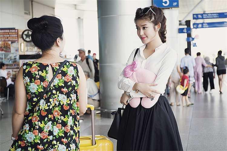 Chiều qua (24/4), Huyền My vừa có mặt tại sân bay Tân Sơn Nhất.