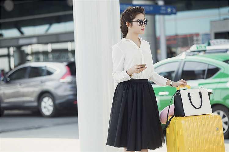 Cùng ngắm thêm những hình ảnh đẹp của Huyền My tại sân bay: