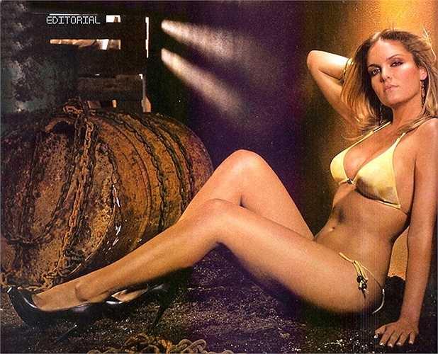 Đến khi chuyển sang Sporting Lisbon vào năm 2012, Rojo đã tán đổ người mẫu Diana Chaves, bạn gái cũ của Cristiano Ronaldo