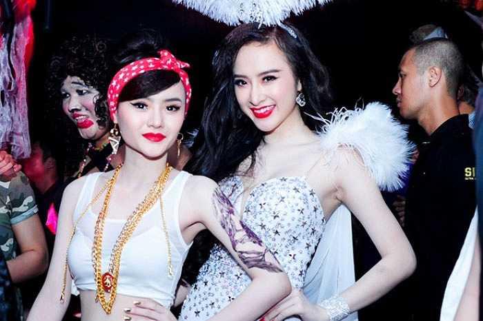Phương Trang nối gót đàn chị, chạy theo trào lưu sexy.