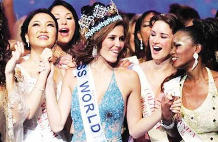 Nhan sắc phồn thực hiếm ai sánh bằng đang ở độ chín giúp cô vào đến Top 15 (đồng hạng 10 với hoa hậu Trung Quốc) tại cuộc thi Hoa hậu Thế giới năm đó.