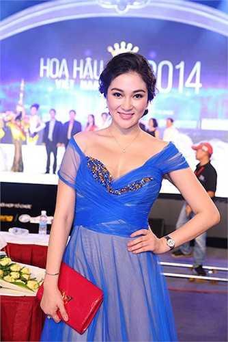 Xuất hiện tại cuộc thi Hoa hậu Việt Nam 2014, Nguyễn Thị Huyền vẫn khiến nhiều người phải ngây ngất khi ngắm nhìn.