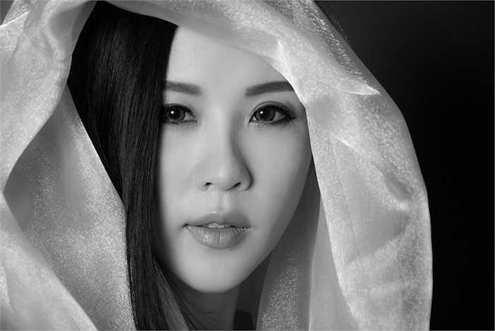 Đã khá lâu hoa hậu Thu Hoài ít xuất hiện trong các hoạt động văn hóa, giải trí. Cô dành nhiều thời gian hơn cho công việc kinh doanh và hoạt động xã hội mang tính thực chất.