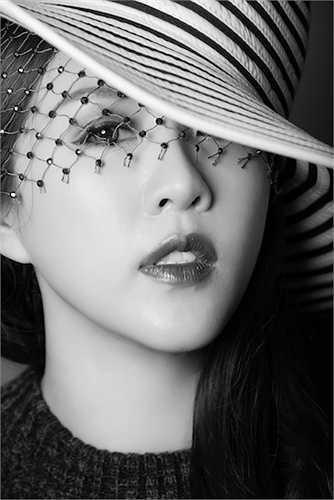 Với mỗi người tiếp xúc với Thu Hoài sẽ cảm nhận riêng về nét cũng như tính cách của cô nên họ thường chọn những đề tài chụp ảnh rất ấn tượng.