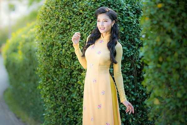 Hiện tại, Triệu Thị Hà đang tham gia một vai trẻ trung dễ thương trong phim Cỏ dại.