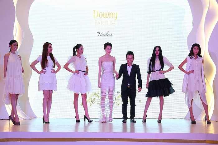 Hoa hậu Việt Nam 2012 gây ấn tượng khi làm verdette trong BST thanh lịch này.