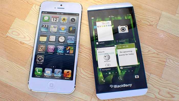 Tổng doanh thu đạt 55,9 tỷ USD, tăng 22,5% và gấp 19 lần doanh thu hàng năm của đối thủ BlackBerry (BBRY).