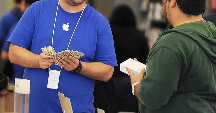 Triển vọng doanh thu quý III ước đạt 46,9 tỷ USD, tăng 25%. Đây không phải là con số triển vọng mà các nhà đầu tư mong muốn nhưng dưới sự điều hành của CEO Tim Cook, Apple sẽ chỉ đưa ra dự báo thấp để có thể mang về mức thực tế cao như cách mà trước đây Steve Jobs đã làm.