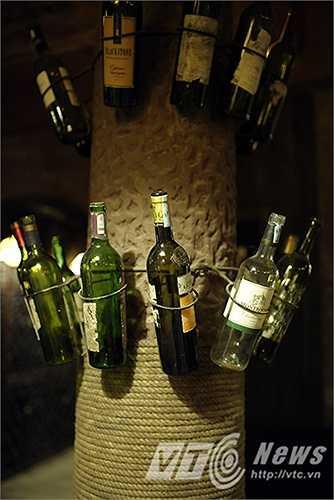 Không chỉ là nơi cất giữ rượu vang của người Pháp, mà ở đây đã từng tồn tại những lò nấu rượu gạo truyền thống của Việt Nam.