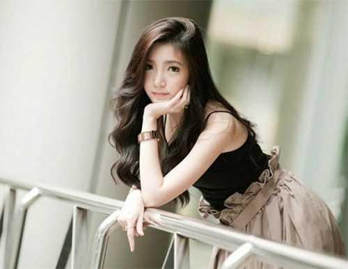 Pam Pam được giới trẻ biết đến với nickname 'hot girl sữa rửa mặt' bởi làn da trắng và gương mặt thuần khiết tự nhiên giúp cô liên tục nhận những đơn đặt làm mẫu quảng cáo cho các hãng sữa rửa mặt ở Thái Lan.