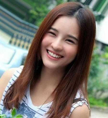Aom Sucharat Manaying được mệnh danh là Song Hye Kyo của xứ sở Chùa Vàng từ sau bộ phim 'Trái tim mùa thu' phiên bản Thái Lan.