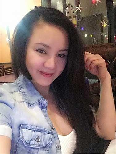 Một người bạn thân thiết của Vy Oanh tại Mỹ vừa tiết lộ cô đã sinh con trai ở Mỹ được hơn một tháng.