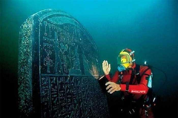 Tổng cộng các hiện vật lịch sử về lịch sử nhân loại của tất cả các bảo tàng trên thế giới cũng không thể bằng số hiện vật đang nằm dưới đáy đại dương.