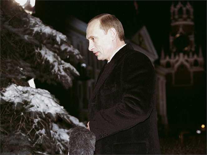 Tổng thống Putin gửi thông điệp cho năm mới 12/2002.