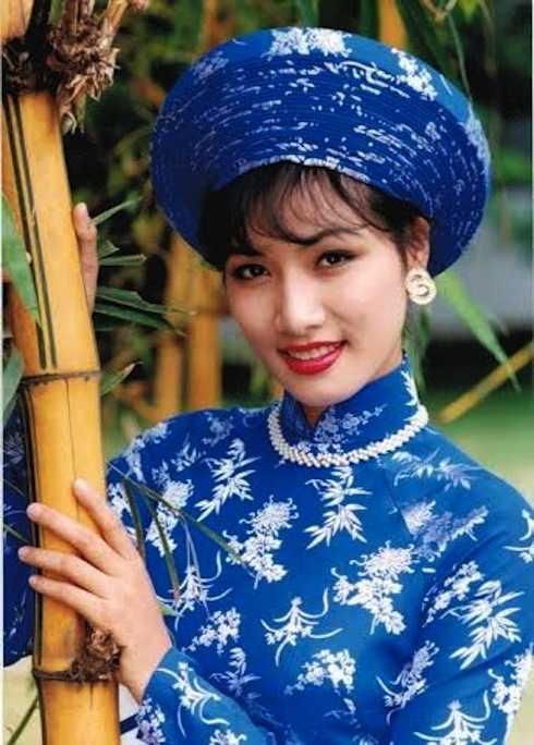 Trang phục áo dài giúp Quỳnh Mai giành 'cú đúp' tại Hoa hậu Quốc tế 1995.