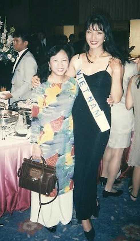 Trương Quỳnh Mai tại quộc thi Hoa hậu Quốc tế 1995.