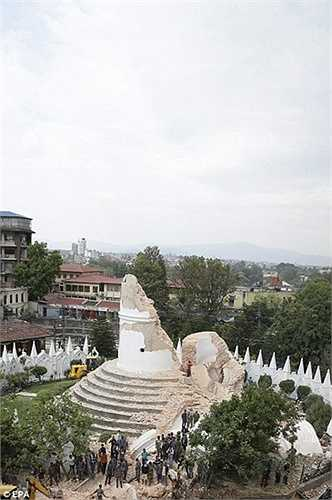 Tuy nhiên các quan chức Nepal cho biết, những người đến chụp ảnh này chủ yếu lại là dân địa phương, chứ không phải khách du lịch.