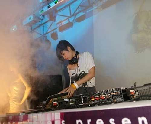 Tại Việt Nam, khi nhắc đến dòng nhạc house, electro house, không thể không kể đến DJ Chu.