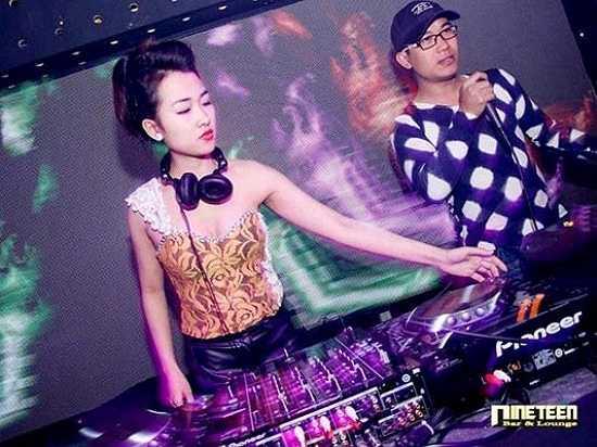 DJ Trang Moon là một trong những cái tên nổi tiếng nhất trong thời gian qua.