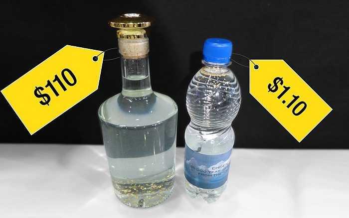 3. Nước đá cao cấp: Đây là loại nước được lấy từ một dòng sông băng ở Cộng hòa Czech đã bắt đầu tan chảy 15.000 năm trước đây, được Công ty Ehden ở châu Âu giới thiệu là có độ tinh khiết cao đến mức họ không phải lọc hoặc xử lý trước khi đóng vào chai. Họ còn cho thêm một ít lá vàng mỏng ly ti 22.5k vào trong chai và bán với giá ít nhất là 1,10 USD/chai nhựa nhỏ và 110 USD/chai thủy tinh.