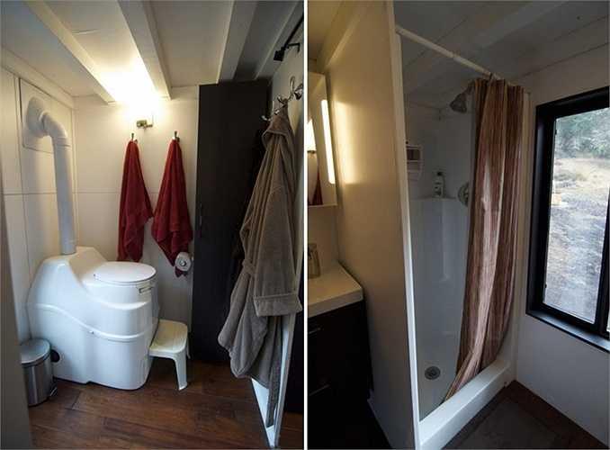 Họ sử dụng loại nhà vệ sinh tự hoại của Thụy Điển với tên gọi Separett. Phòng tắm có không gian khá rộng.