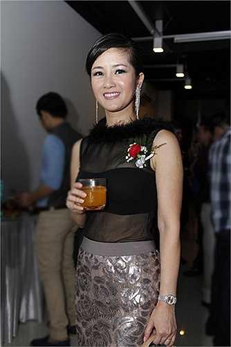 Cùng ngắm thêm những hình ảnh sexy dạn dĩ của Hồng Nhung: