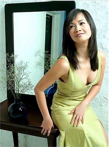 Chính vì thế, người đẹp thường xuyên phô diễn vẻ đẹp hình thể từ khi còn trẻ.