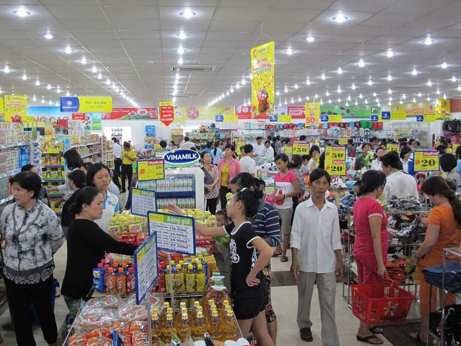 chợ vắng, siêu thị đông