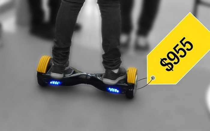 """4. Xe Segway thế hệ mới    Hãng Wheel Lib của Pháp tung ra hai sản phẩm ván trượt cao cấp """"The Board"""" và """"The Wheel"""" dành cho con cái nhà giàu. 'The Board' (ảnh) có giá tới 890 euro (955 USD) và có thể đạt vận tốc gần 10 km/h. Còn 'The Wheel' với bánh lớn hơn có giá 1.290 euro (1.385 USD) và đạt vận tốc 16 km/h."""