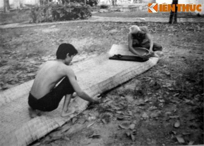Giấu vũ khí trong cà tăng. Hình ảnh chụp lại tại di tích hầm vũ khí bí mật ở 287/70 đường Nguyễn Đình Chiểu, TP HCM.