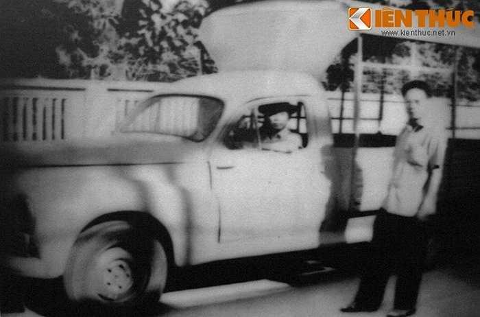 Dù rủi ro cao hơn, nhưng xe ô tô cũng được dùng để chở các loại vũ khí đã được ngụy trang.