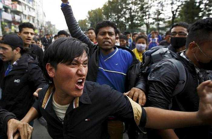 Hôm qua (29/4), tại thủ đô Kathmandu, khoảng 200 người biểu tình khi sự cứu trợ của chính phủ nước này quá chậm trễ.