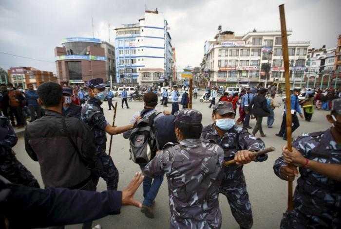 Cảnh tượng hỗn loạn ở Nepal