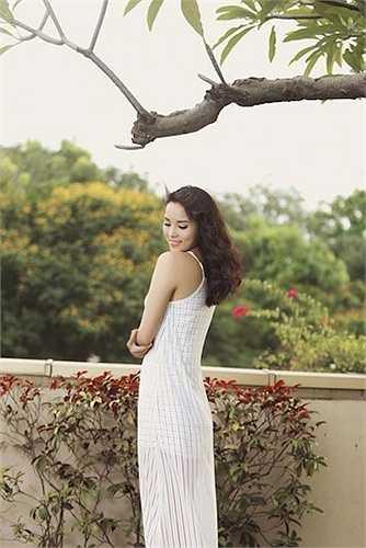Vẻ đẹp tươi trẻ và phong cách thời trang của Kỳ Duyên đang được quan tâm hết mực của công chúng.