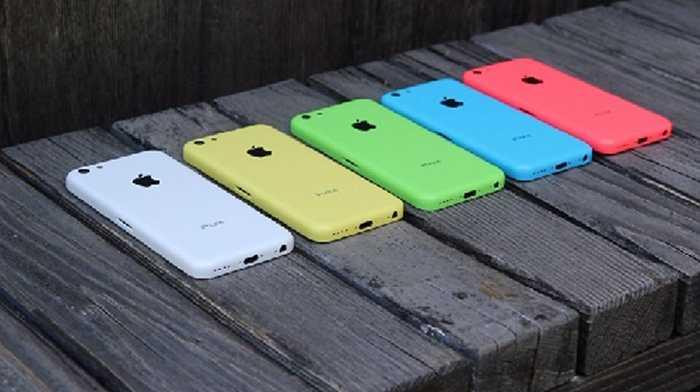 iPhone 5C, C = Colour (màu sắc) đã xuất hiện với nhiều phiên bản lòe loẹt. Tuy nhiên, đây có vẻ như là một thất bại của Apple và họ chỉ coi iPhone 5C là kẻ lót đường cho sự thành công của 5S