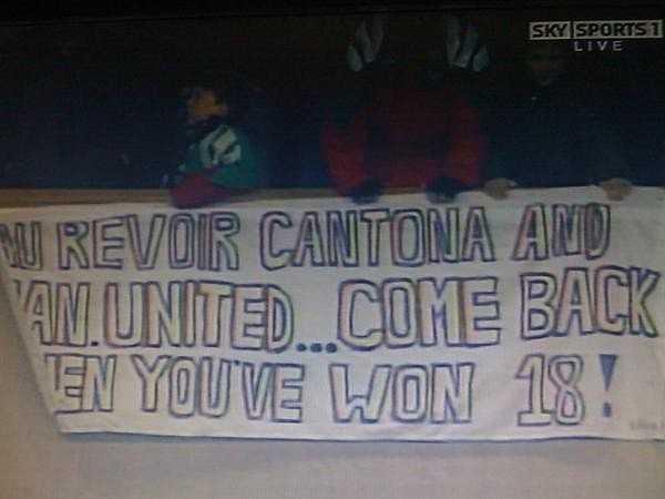 Các CĐV Man Utd thậm chí còn lấy chính tấm băng rôn của CĐV Liverpool 25 năm trước để chế nhạo đối thủ. Tấm băng rôn có nội dung: 'Hãy quay lại đây khi vô địch 18 lần'. Hiện, Man Utd đã vô địch 20 lần và vượt Liverpool để trở thành câu lạc bộ giàu truyền thống nhất nước Anh.