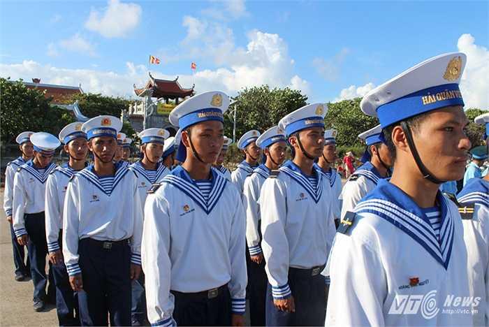 Các chiến sỹ Hải quân nhân dân Việt Nam trong lễ mít tinh