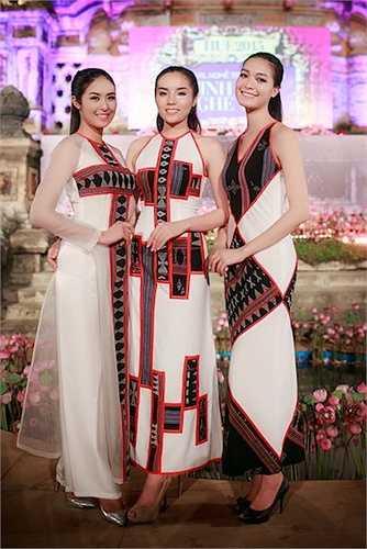 Đêm Thời trang Hội tụ bản sắc Châu Á vừa diễn ra tại Bia Quốc Học Huế trong khuôn khổ Festival Nghề Truyền Thống Huế 2015.