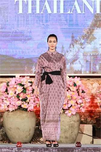 Thuỳ Dung cũng là một Hoa hậu 'đắt xô' làm mẫu.