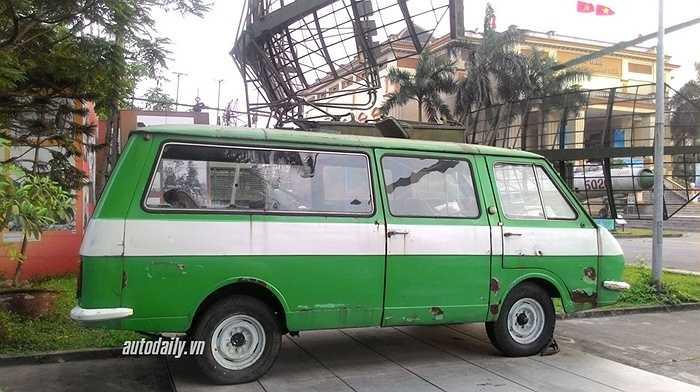 Xe được sử dụng rộng rãi khắp Liên bang Xô-viết như phương tiện giao thông công cộng chạy theo tuyến cố định hay phục vụ công tác ý tế hay xe dịch vụ đặc biệt.