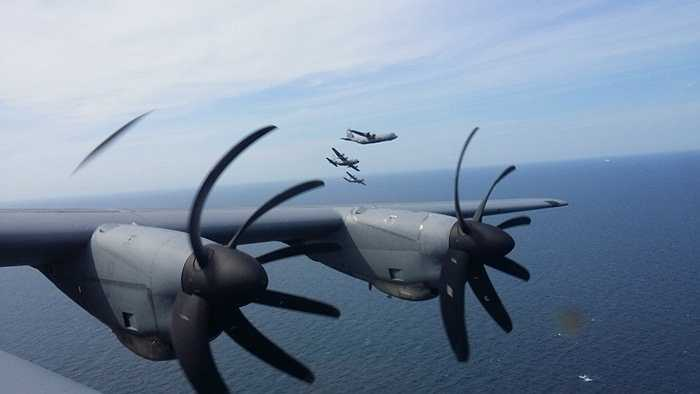 Sân bay là nơi trung chuyển chủ yếu của máy bay quân sự 86th Airlift Wing. Loại máy bay này có thể được sử dụng trong nhiều việc như sơ tán nạn nhân thiên tai tới vận chuyển trang thiết bị quân sự