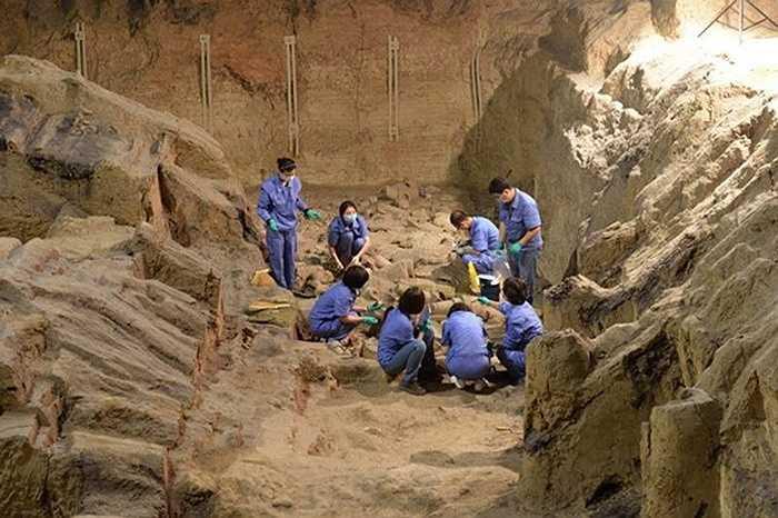Theo thông tin đăng tải hôm thứ Năm vừa qua trên trang web Bảo tàng Lăng mộ Hoàng đế Tần Thủy Hoàng, các nhà khảo cổ sẽ làm việc trên một khu vực rộng 200m2 tại hố mai táng số 2