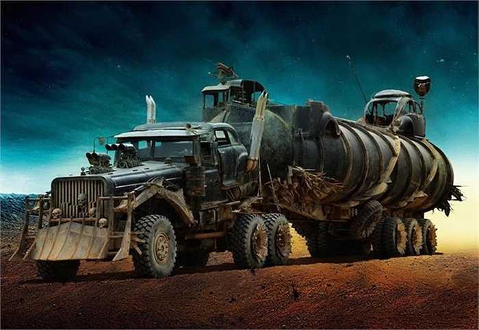 Được thiết kế bởi Colin Gibson, những chiếc xe xuất hiện trong bài viết này chi là một phần rất nhỏ trong số 150 xe của Mad Max